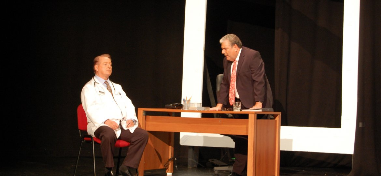 Dr Scott (Jim Landis) & Dr Emerson (Jon Marshall)-min